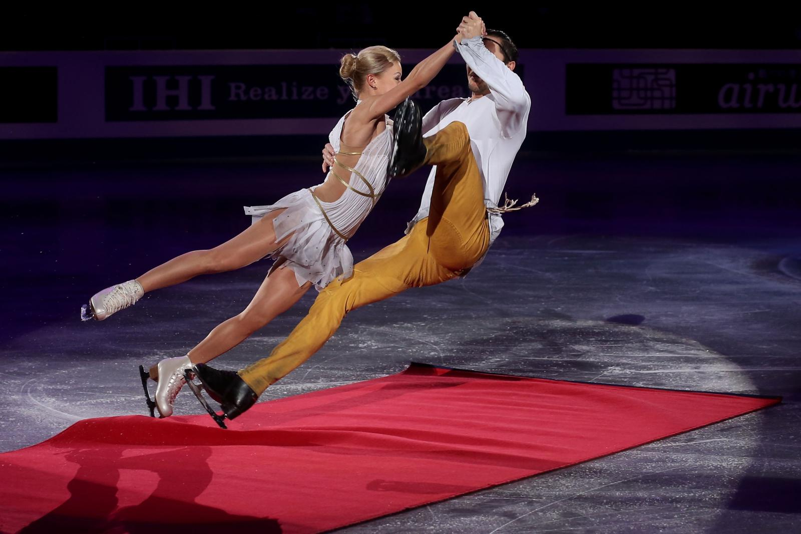 Davis and white skaters dating 1